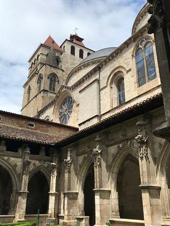 Cathédrale Saint-Étienne: Cloisters 1