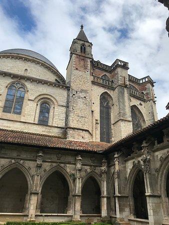 Cathédrale Saint-Étienne: Cloisters 4