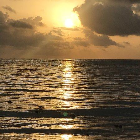 巴瓦罗海滩