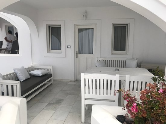 Santorini Princess: The entryway and sitting area for guests