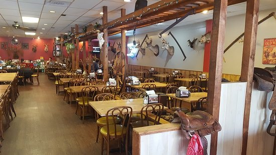 Bellaire, TX: Plenty of tables so not likely to get too full to find a seat