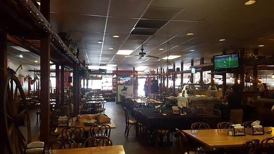 Bellaire, TX: Lots of space- I got here right after they opened, so not crowded