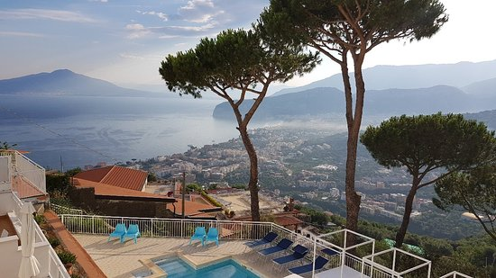 Hotel Villa Fiorita: Everything was perfect, the staff was courteous and very helpful to us especially Giovanni the r