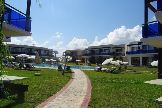 All Senses Nautica Blue Exclusive Resort & Spa: L'une des deux piscines de l'hôtel.