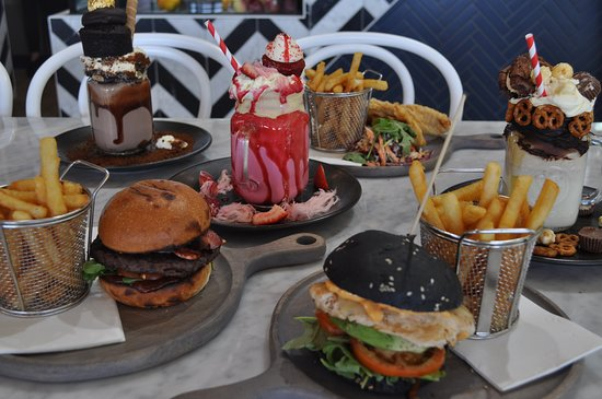 The Jolly Miller Cafe and Patisserie: Lunch