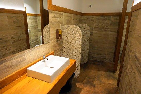 Eulenhof Valinhos - German Restaurant: banheiros limpíssimos