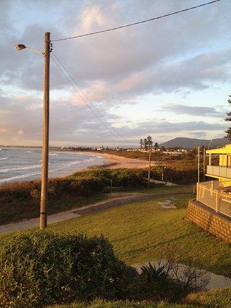 Bulli Beach Cafe: This view!!!!!