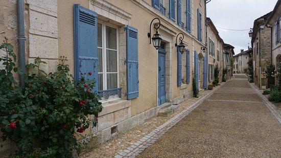 Saint-Jean de Cole: Rua comercial