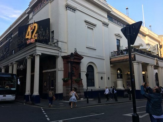‪Theatre Royal Drury Lane‬