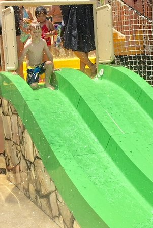 Rock'n River Family Aquatic Center: Small Slide