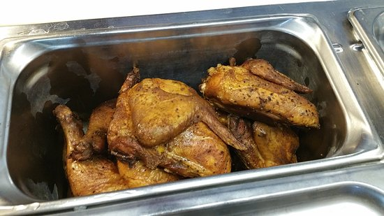 Brandenburg, Кентукки: Roasted Chicken ready for BBQ sauce or plain.. Full of Flavor