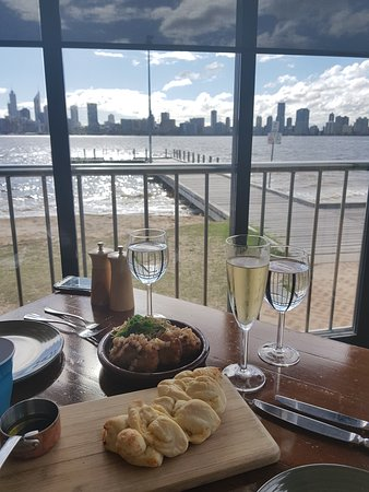 The Boatshed Restaurant: VIEWS !!!!