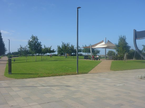 Esperance, Australia: Picnic & Shaded Areas for Walkers or Riders