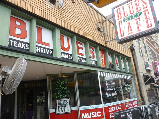 Blues City Cafe. Store front view.