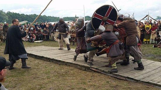 Slavian and Viking centre Vineta: Bridge battle