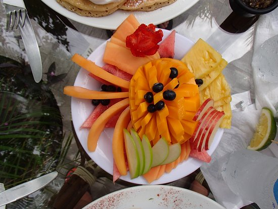 North Garden: Small Fruit Plate