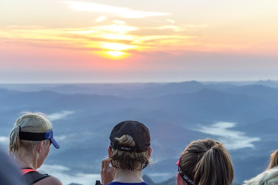 Byron Bay Adventure - Day Tours: Sunrise from Mt Warning with Byron Bay Adventure Tours