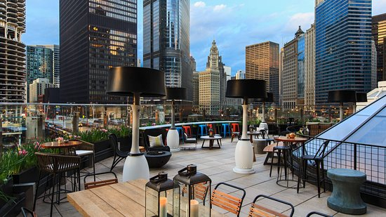 Raised An Urban Rooftop Bar Chicago Theater District Menu Prices Restaurant Reviews Reservations Tripadvisor