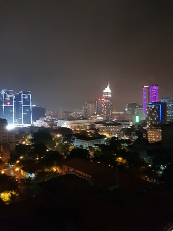 Central Palace Hotel: View from rooftop bar