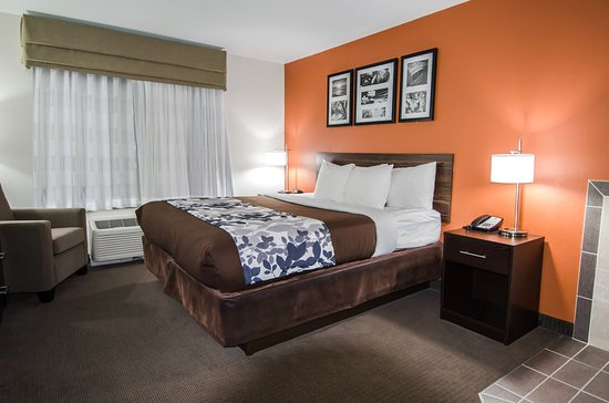 Exterior: Sleep Inn & Suites And Conference Center Downtown $79