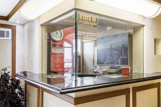 Ozone Park, Estado de Nueva York: Lobby