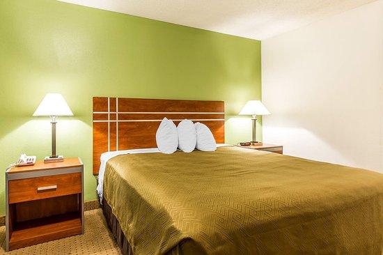 Pekin, IL: Guest room