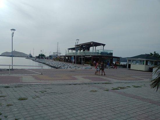 Marina Santa Marta: Atradecer nublado en Mariana Santa Marta