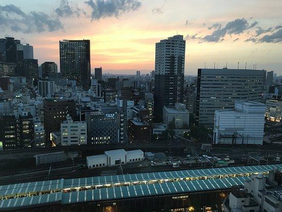 APA Hotel Shinjuku Kabukicho Tower: _/_/_/_/_/_/_/(2018.6 撮影) 新宿西口超高層ビルビュー(部屋2109)眺め