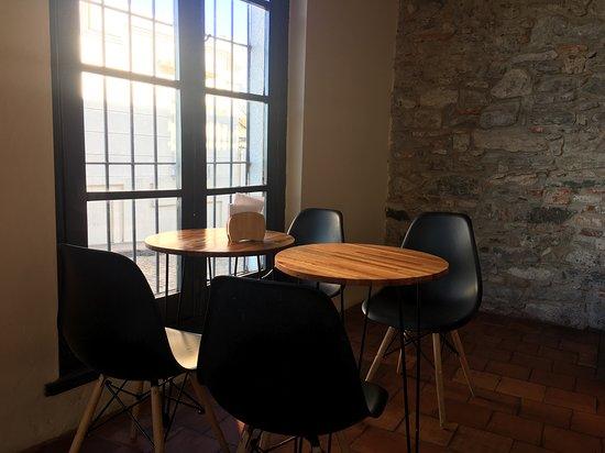 Capicua Deli & Cafe (resto): Las mesas