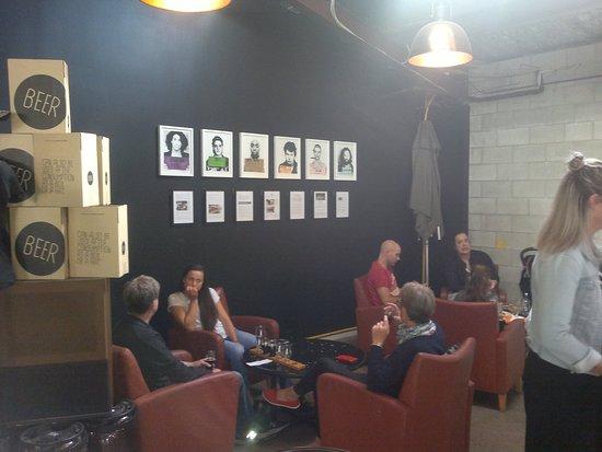 Northcote, New Zealand: The lounge area inside