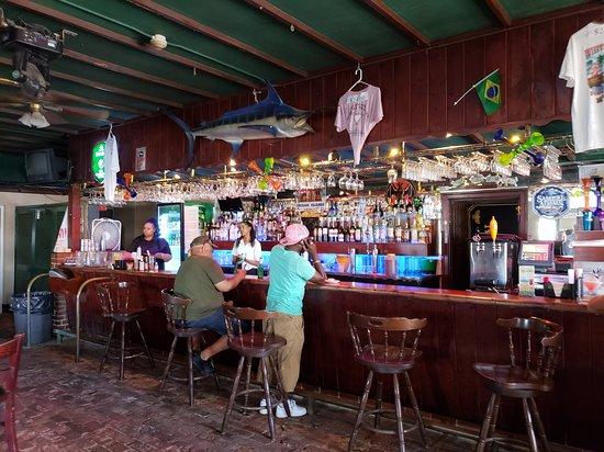 White Horse Pub & Restaurant: Bar area
