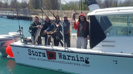 ‪Storm Warning Chicago Fishing Charters‬