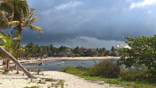 Vista panorámica de La playa de Paamul