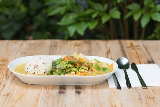 Chaima Thai Take Away: Menü Gäng Kioaowan (Grünes Curry) mit Tofu