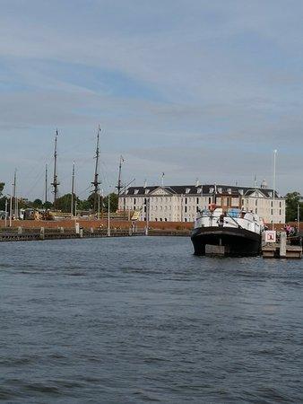 Zdjęcie Luxury canal cruise