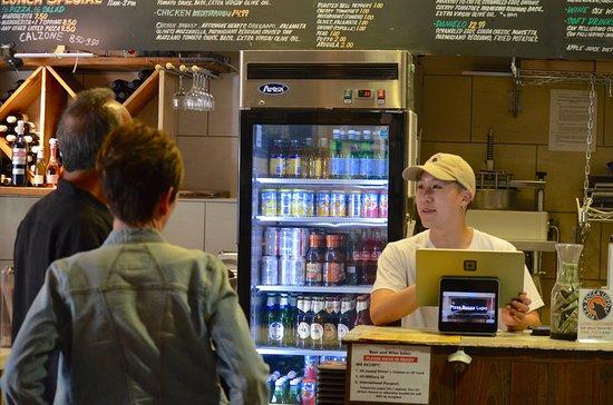 Pizza Bocca Lupo: friendly cashier