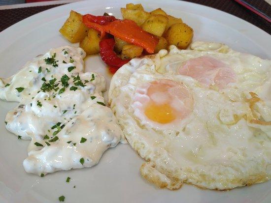 Cafeteria Restaurante Hotel Puerta Ciudad Rodrigo: Otro de nuestros exquisitos platos