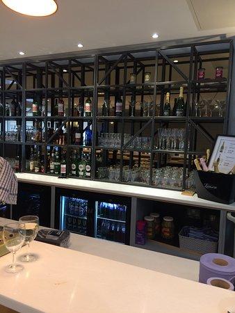 Club Aspire Lounge Gatwick: new bar