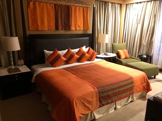 NagaWorld: Bedroom