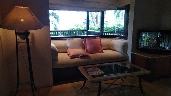 Finna Golf & Country Club: Window seat