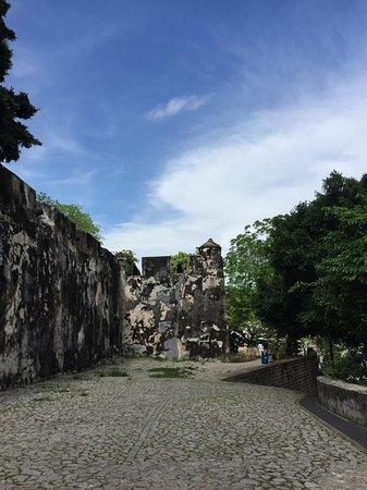 old wall マカオ モンテの砦の写真 トリップアドバイザー
