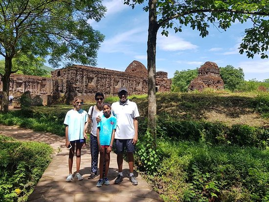 Andy Hoi An Online Tours: Private My son Holyland & Marble Mountain Tour with Andy