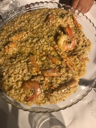 Restaurant Falco Vallugola: risotto gamberi bollicini affumicato