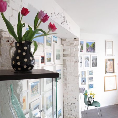 Leigh-on Sea, UK: View inside the gallery
