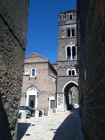 Duomo di Casertavecchia: Duomo con campanile