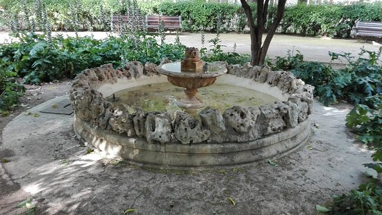 Parque de Abelardo Sanchez: Fuente.