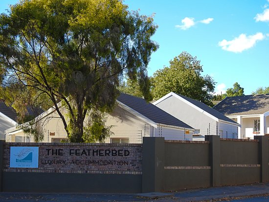 The Featherbed Self Catering: Entrance