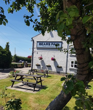 Bears Paw Country Inn & Restaurant: Summer at the Paw