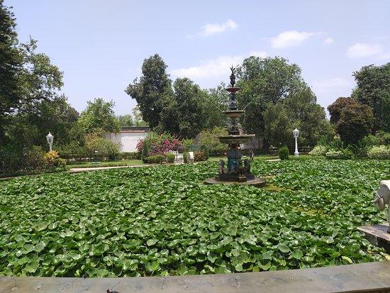 Sahelion Ki Bari: LOtus pond with fountain