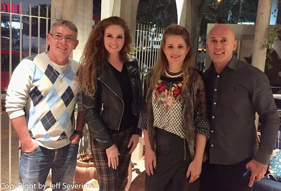 Bona Trattoria: Eu Carol, Isabel e Iti Rafain